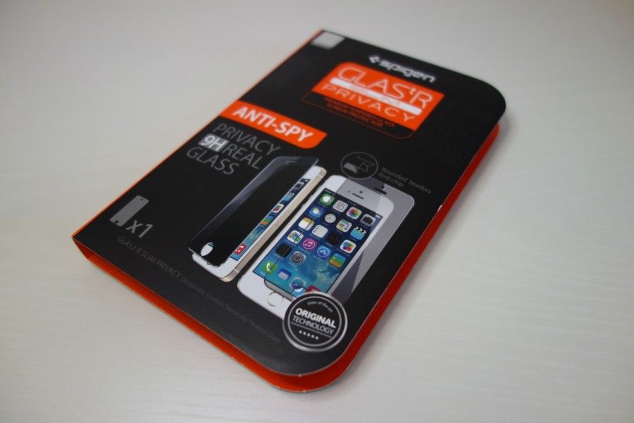 spigen-glastr-privacy-1