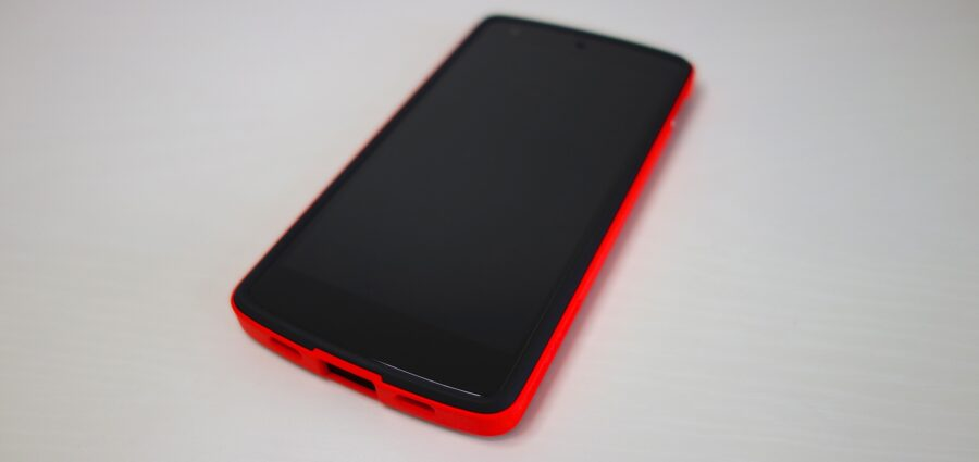 spigen-n5-bright-red-3