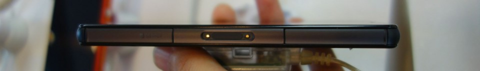 Xperia Z3 Compact SO-02G 08