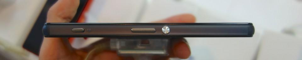 Xperia Z3 Compact SO-02G 09