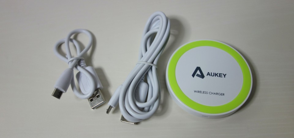aukey qi charge pad 3