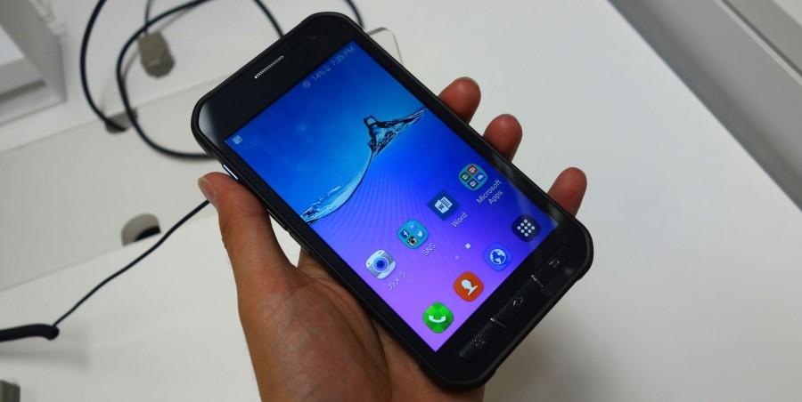 Galaxy Active Neo SC-01H 01