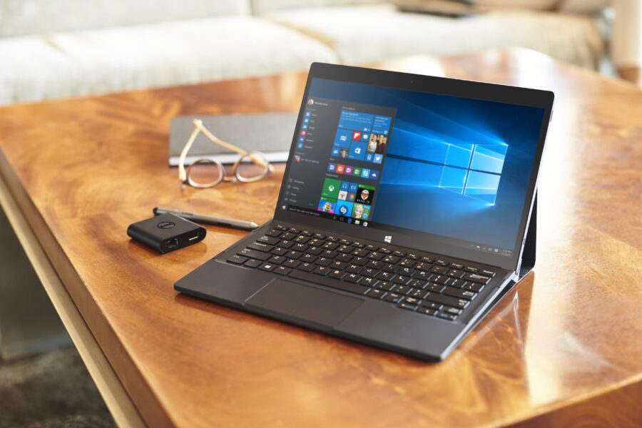 XPS 12 2-in-1 Notebook in Lobby