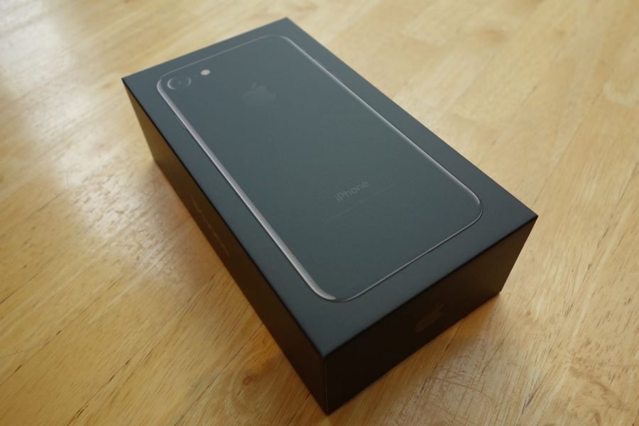 iphone-7-jet-black-01