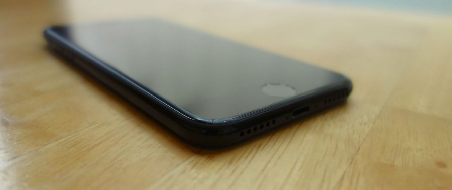 iphone-7-jet-black-06