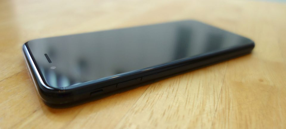 iphone-7-jet-black-07