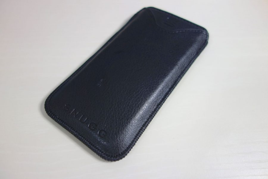 iphone-sleeve-by-snugg-2