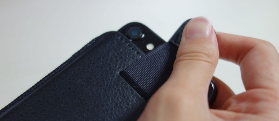 iphone-sleeve-by-snugg-6