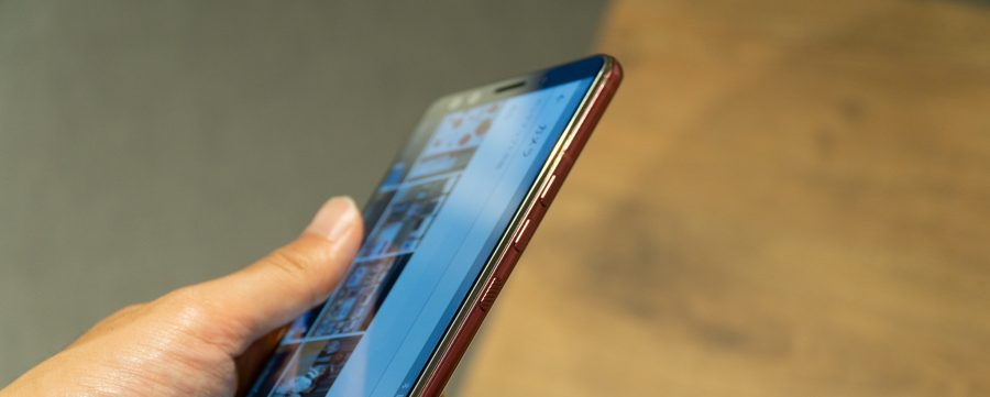 HTC U12+側面ボタン