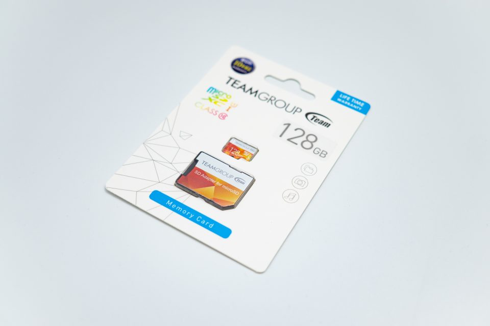 Team microSDXC 128GB パッケージ